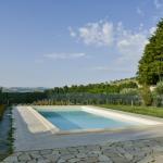 10-piscina_agriturismo_montechiaro