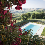 12-piscina_agriturismo_montechiaro